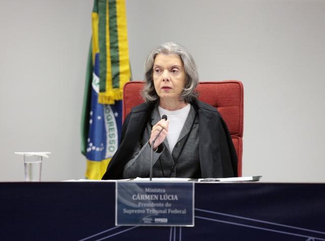 STF auxilia no combate à corrupção no Brasil quando decide que poder legislativo estadual não pode impedir processos contra governadores